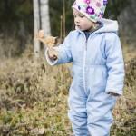 Melle skogen porträtt minellie löv gunga barn