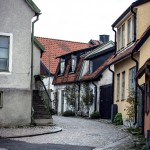 Gotland visby toyotafjcruiser toyotafj toyota tofta strykjärnet stad småhus ringmuren port pitoreskt lantligt körsbärsblomster kärlek hund havet gränder gotland får dörr