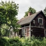 Ödehuset med äppelträdgården torp stuga skogen övergivet ödetorp ödehus öde deserted house deserted äppelträdgård äppeltorpet