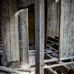 Huset vid dammen övergivet ödetorp ödehus öde